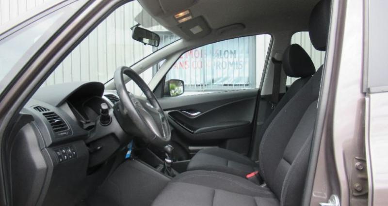 Hyundai IX20 1.6 CRDi 115 Blue Drive Pack Business Gris occasion à Saint Parres Aux Tertres - photo n°5
