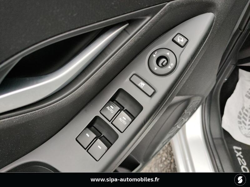 Hyundai IX20 1.6 CRDi 115ch Blue Drive Intuitive  occasion à La Teste-de-Buch - photo n°12