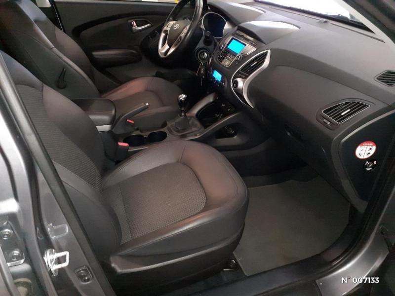 Hyundai IX35 1.6 GDI Pack Confort BlueDrive Gris occasion à Rouen - photo n°4