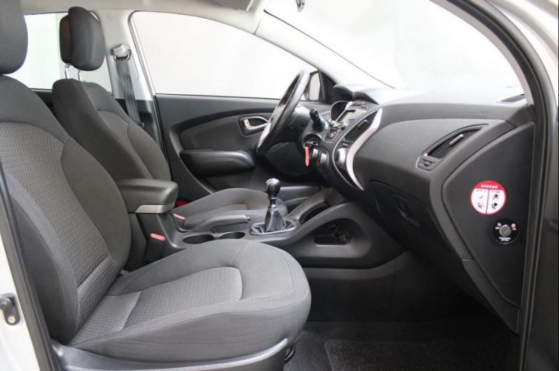 Hyundai IX35 1.7 CRDI PACK CONFORT Gris occasion à Challans - photo n°2