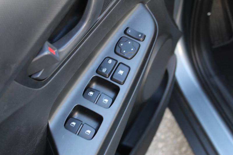Hyundai Kona Kona 1.6 CRDi 115  5p Gris occasion à Meythet - photo n°9