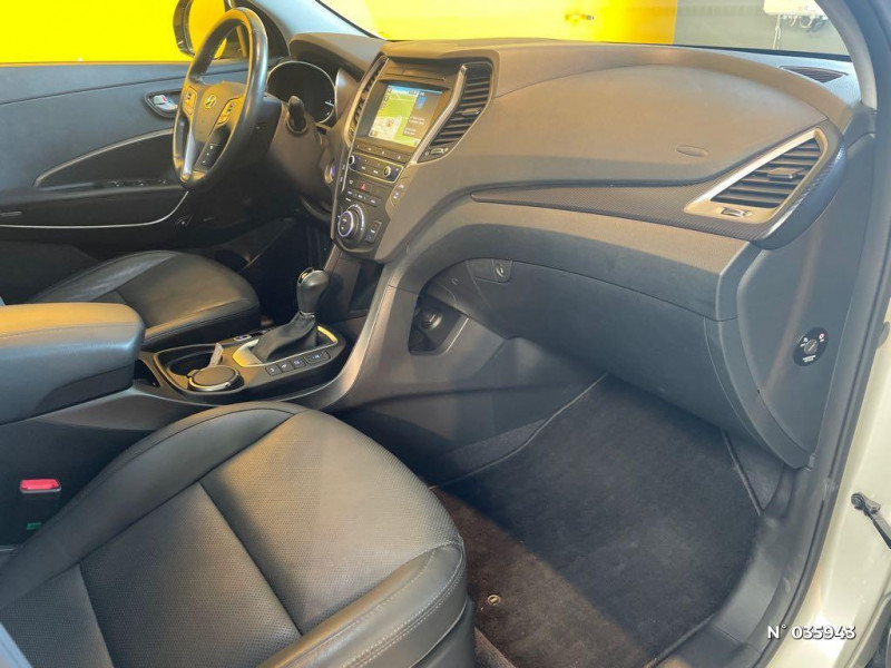 Hyundai Santa Fe 2.2 CRDi 197ch 4WD Creative BVA Beige occasion à Saint-Maximin - photo n°4