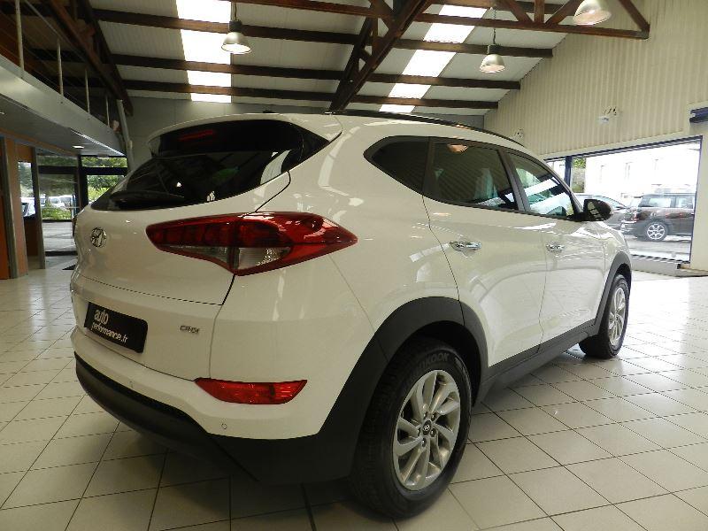 Hyundai Tucson (UE) 1.7 CRDI 115 BUSINESS 2WD Blanc occasion à Quimper - photo n°3