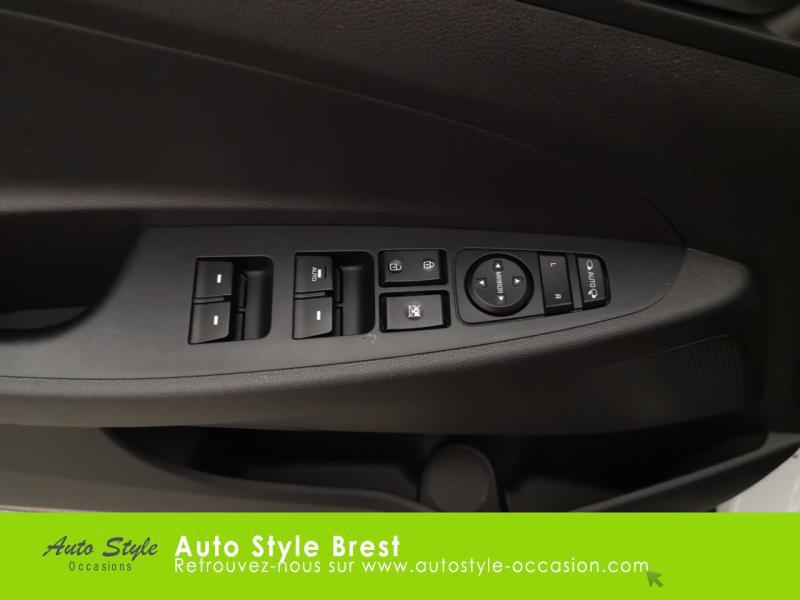 Hyundai Tucson 1.7 CRDI 115ch Business 2WD Blanc occasion à Brest - photo n°12