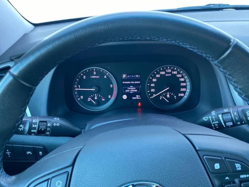 Hyundai Tucson 1.7 CRDi 141 2WD DCT-7 Business Gris occasion à Auch - photo n°9