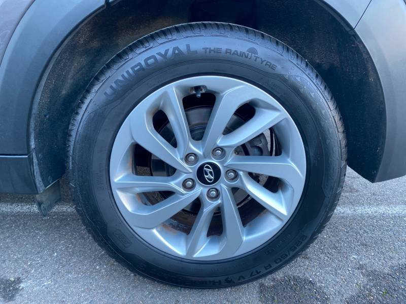 Hyundai Tucson 1.7 CRDi 141 2WD DCT-7 Business Gris occasion à Auch - photo n°15