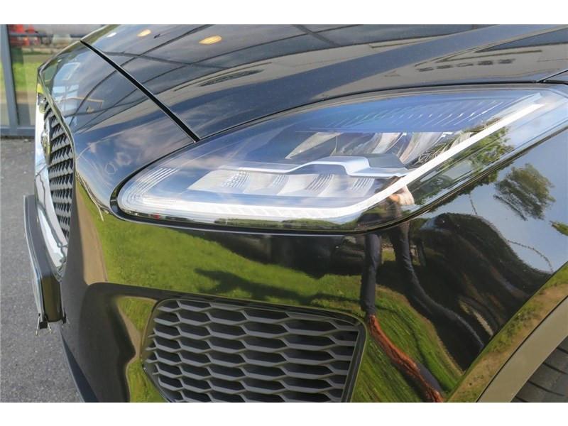 Jaguar E-pace 2.0 D - 150 CH AWD BVA S  occasion à LABEGE CEDEX - photo n°19