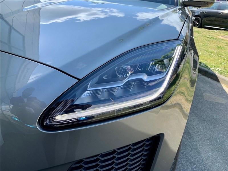 Jaguar E-pace 2.0 D - 150 CH AWD BVA SE  occasion à LABEGE CEDEX - photo n°5