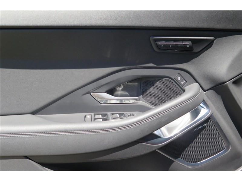 Jaguar E-pace 2.0 D - 180 CH AWD BVA SE Rouge occasion à LABEGE CEDEX - photo n°12