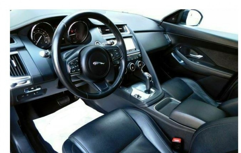Jaguar E-pace 2.0D 150CH SE AWD BVA9 Blanc occasion à Villenave-d'Ornon - photo n°2