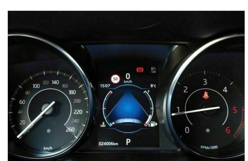 Jaguar E-pace 2.0D 150CH SE AWD BVA9 Blanc occasion à Villenave-d'Ornon - photo n°9
