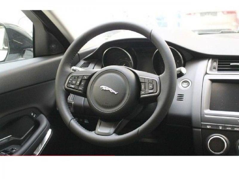 Jaguar E-pace D150 Blanc occasion à Beaupuy - photo n°6