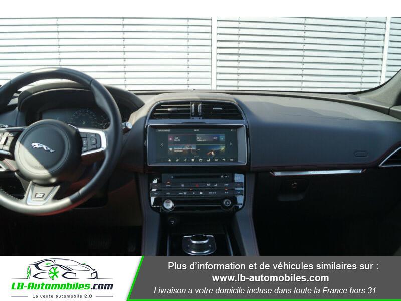 Jaguar F-Pace 2.0 D AWD 180 ch R-Sport Blanc occasion à Beaupuy - photo n°2