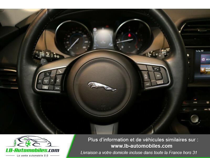 Jaguar F-Pace 2.0 D AWD 180 ch Noir occasion à Beaupuy - photo n°9