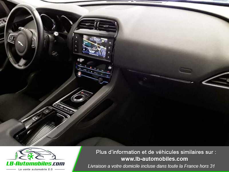 Jaguar F-Pace 2.0 D AWD 180 ch  occasion à Beaupuy - photo n°4