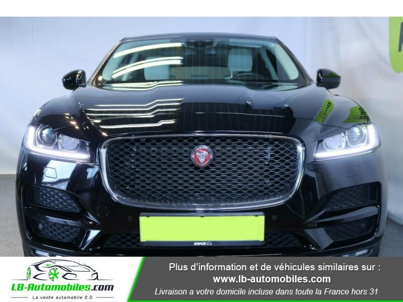 Jaguar F-Pace 2.0 D AWD 180 ch Noir occasion à Beaupuy - photo n°12