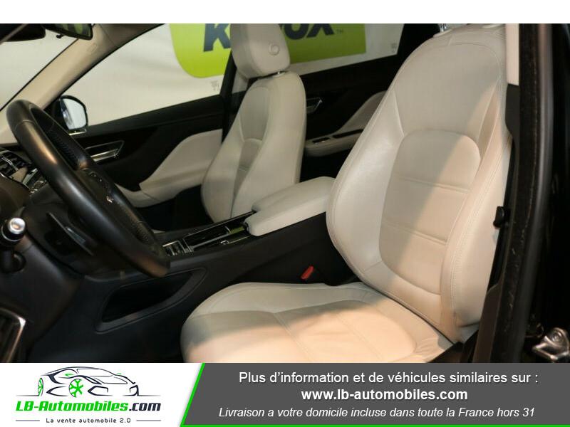 Jaguar F-Pace 2.0 D AWD 180 ch Noir occasion à Beaupuy - photo n°4