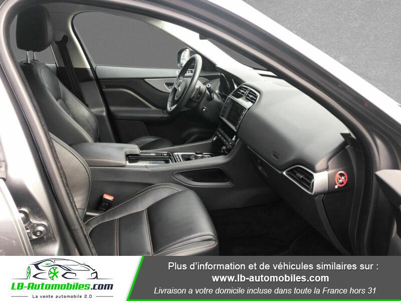 Jaguar F-Pace 2.0 D AWD 180 ch Gris occasion à Beaupuy - photo n°4