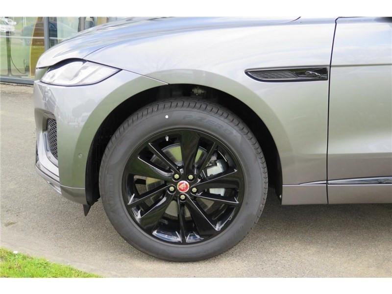 Jaguar F-Pace 2.0 - D200 MHEV AWD BVA8 R-Dynamic SE Gris occasion à LABEGE CEDEX - photo n°4