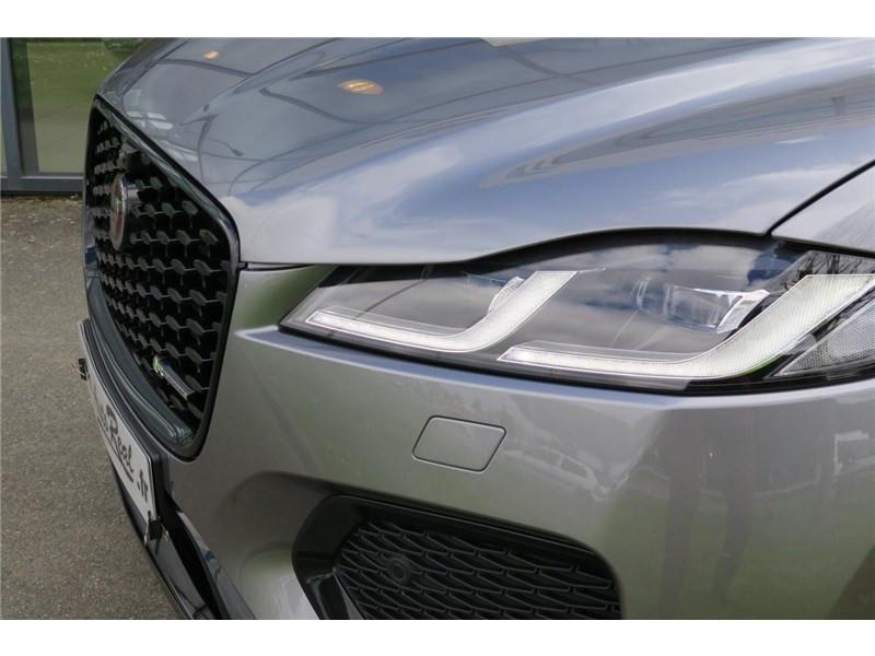 Jaguar F-Pace 2.0 - D200 MHEV AWD BVA8 R-Dynamic SE Gris occasion à LABEGE CEDEX - photo n°20