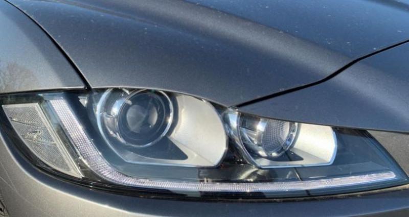 Jaguar F-Pace 2.0D 180ch R-Sport 4x4 BVA8 Gris occasion à LAXOU - photo n°7