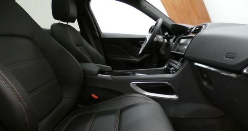 Jaguar F-Pace 20d 180 Prestige AWD Auto. Bleu occasion à Petange - photo n°7