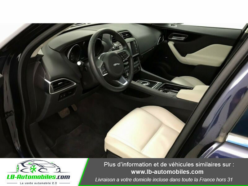 Jaguar F-Pace 3.0 D AWD 300 ch Bleu occasion à Beaupuy - photo n°4