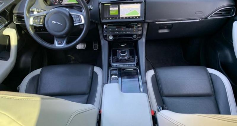 Jaguar F-Pace 3.0 D S V6 300cv Gris occasion à Meylan - photo n°4