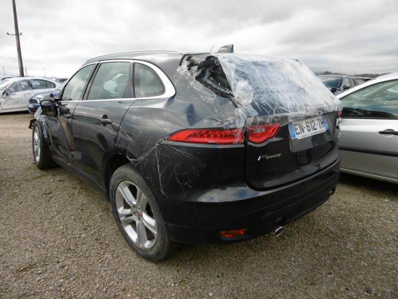 Jaguar F-Pace 3.0D 300 4X4 / EN616 Gris occasion à Espalion - photo n°3
