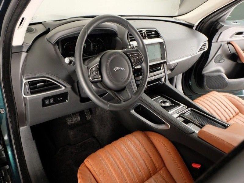Jaguar F-Pace 30d AWD Portfolio Vert occasion à Beaupuy - photo n°6