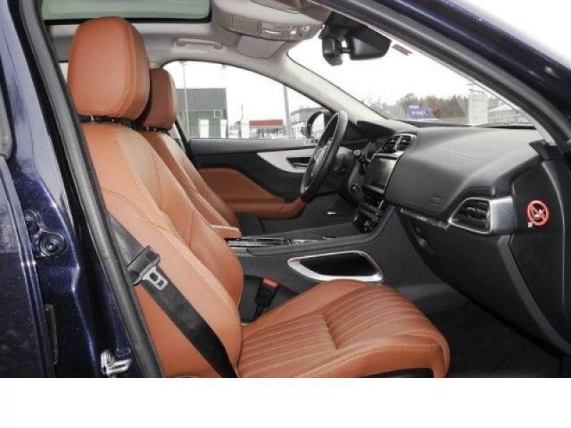 Jaguar F-Pace 30d AWD Portfolio  occasion à Beaupuy - photo n°4