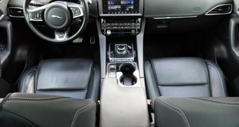 Jaguar F-Pace V6 3.0 Supercharged 380ch S 4x4 BVA8 Gris occasion à Orléans - photo n°6
