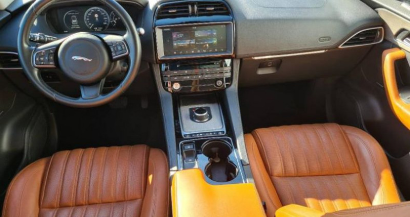 Jaguar F-Pace V6 3.0D 300ch Portfolio 4x4 BVA8 Noir occasion à AUBIERE - photo n°4