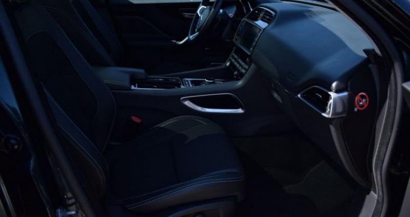 Jaguar F-Pace V6 3.0D 300CH R-SPORT 4X4 BVA8 Vert occasion à VENDARGUES - photo n°6