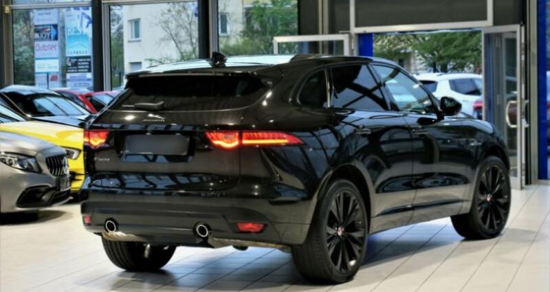 Jaguar F-Pace V6 3.0D 300ch R-Sport BVA8 Noir occasion à Boulogne-Billancourt - photo n°2