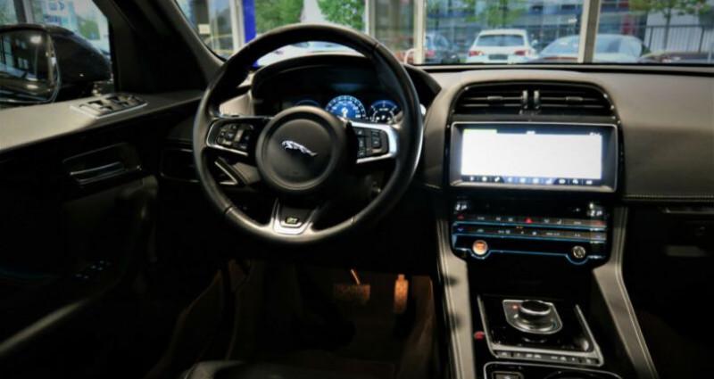 Jaguar F-Pace V6 3.0D 300ch R-Sport BVA8 Noir occasion à Boulogne-Billancourt - photo n°5