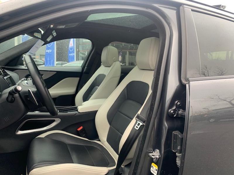Jaguar F-Pace V6 3.0D 300ch S 4x4 BVA8 Gris occasion à Mérignac - photo n°4