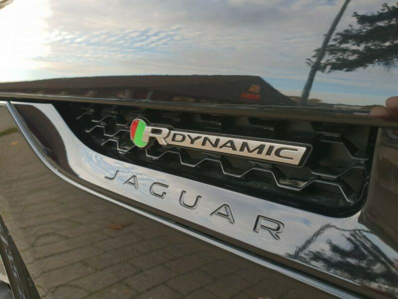 Jaguar F-Type 3.0 V6 SURALIMENTE 340CH R-DYNAMIC BVA8  occasion à Villenave-d'Ornon - photo n°9