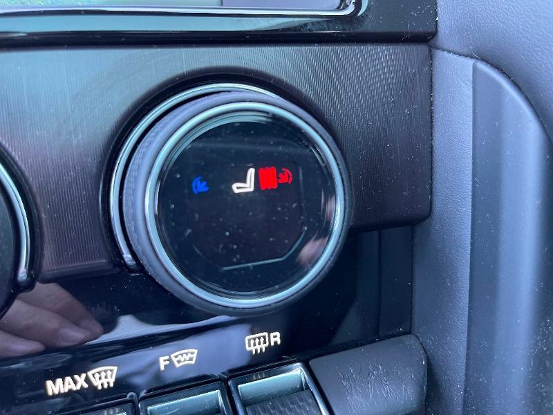 Jaguar F-Type 3.0 V6 Suralimenté 400ch Sport AWD BVA8 Noir occasion à Barberey-Saint-Sulpice - photo n°11