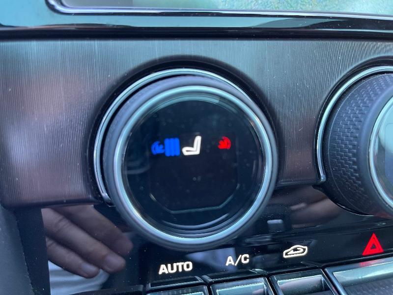 Jaguar F-Type 3.0 V6 Suralimenté 400ch Sport AWD BVA8 Noir occasion à Barberey-Saint-Sulpice - photo n°10