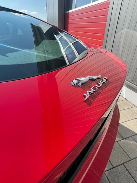 Jaguar F-Type 5.0 V8 550CH R AWD BVA8  occasion à Villenave-d'Ornon - photo n°9