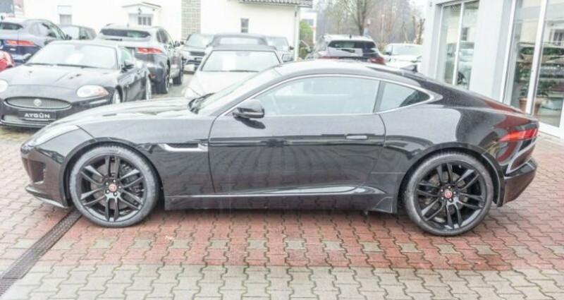 Jaguar F-Type Coupe 3.0 V6 380ch S Noir occasion à Boulogne-Billancourt - photo n°3
