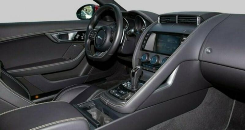 Jaguar F-Type Coupe 5.0 V8 550ch R BVA8 Rouge occasion à Boulogne-Billancourt - photo n°7