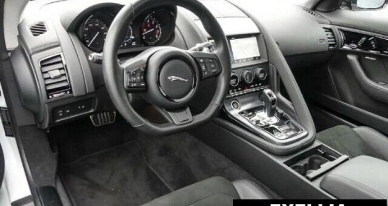 Jaguar F-Type COUPE R-DYNAMIC 3.0 V6 Blanc occasion à Montévrain - photo n°5