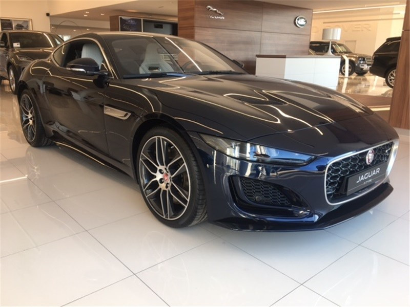 Jaguar F-Type V8 5L 450 CH BVA8 R-Dynamic  occasion à MERIGNAC - photo n°2