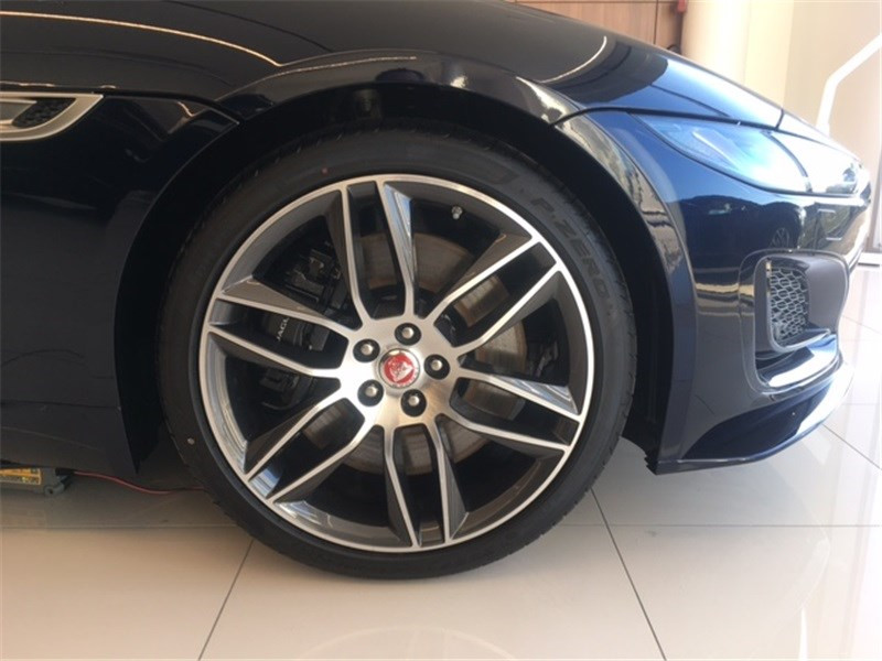 Jaguar F-Type V8 5L 450 CH BVA8 R-Dynamic  occasion à MERIGNAC - photo n°7