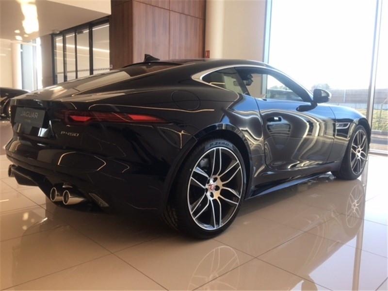 Jaguar F-Type V8 5L 450 CH BVA8 R-Dynamic  occasion à MERIGNAC - photo n°3