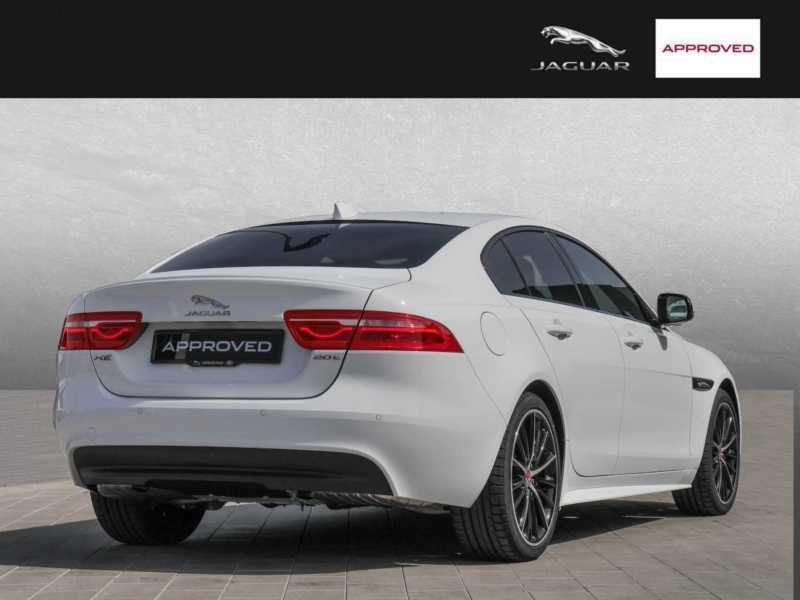 Jaguar XE 2.0 200 R-Sport Blanc occasion à Beaupuy - photo n°3