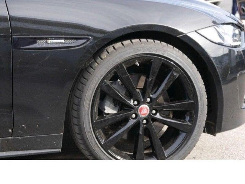 Jaguar XE 2.0 200 R-Sport Noir occasion à Beaupuy - photo n°9