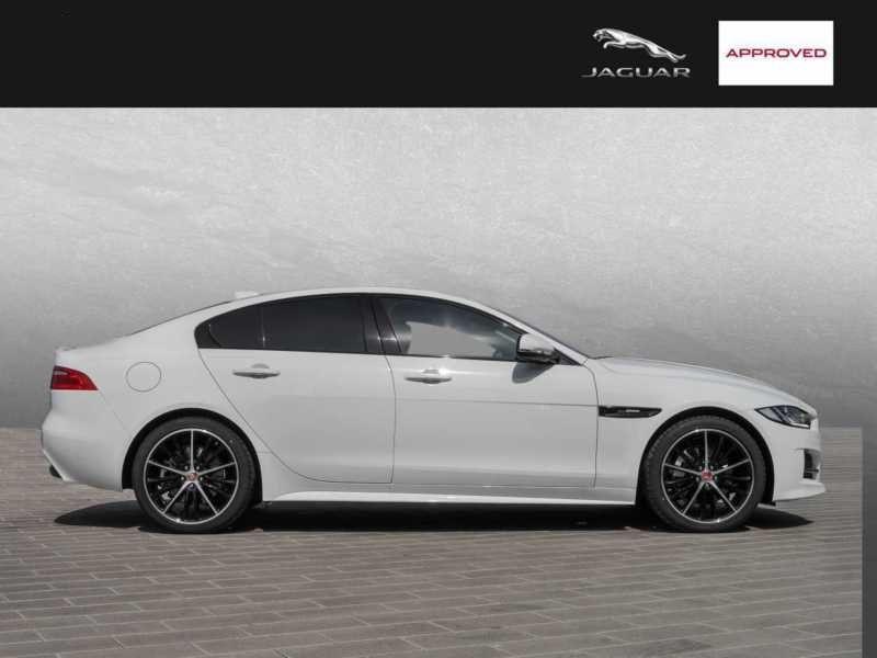 Jaguar XE 2.0 200 R-Sport Blanc occasion à Beaupuy - photo n°6